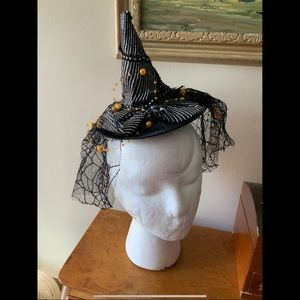 "7"" Veiled Mini Witch Hat Clip On Fascinator"